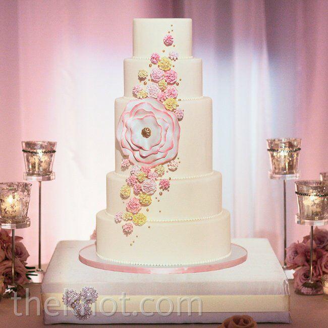 Wedding Cake Sugar Flowers: Pink Sugar Flower Cake