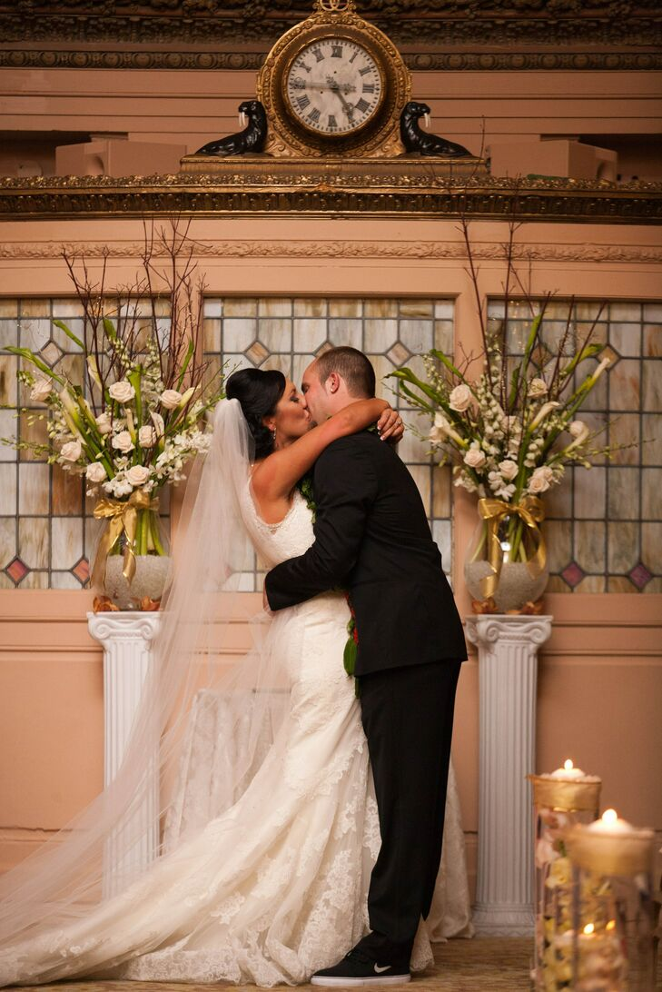 Shantelle and Alex shared their first kiss at the altar inside The Arctic Club Seattle ballroom.