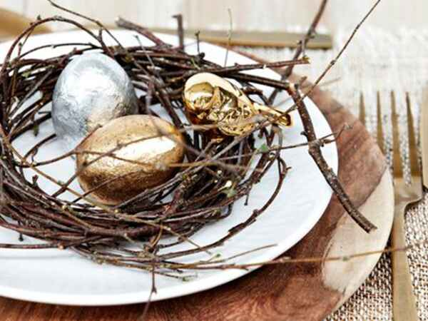 Get ideas for decorating an Easter table for grown-ups
