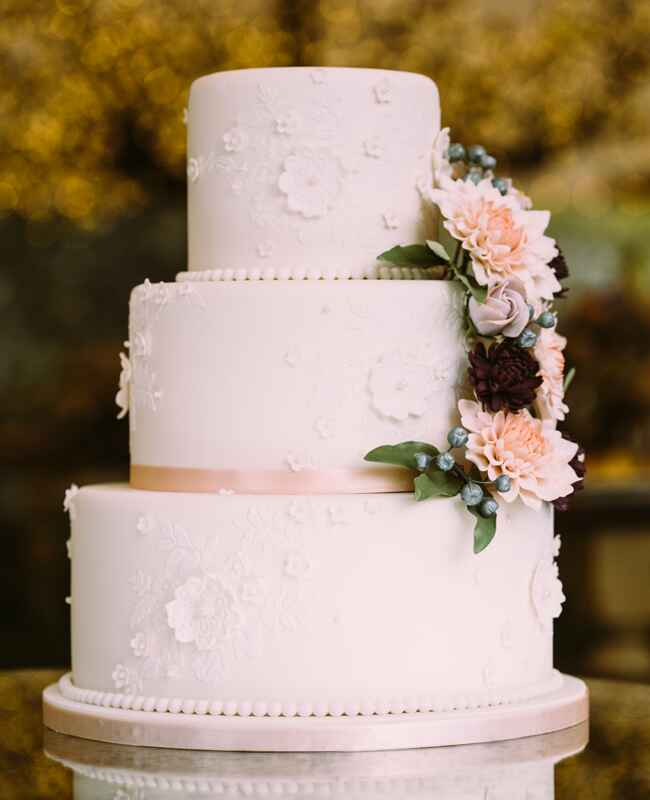 Garden-Inspired Wedding Cake | Al Gawlik Photography | blog.TheKnot.com