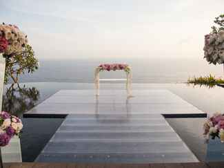 The Wedding Company's Bali infinity pool wedding ceremony