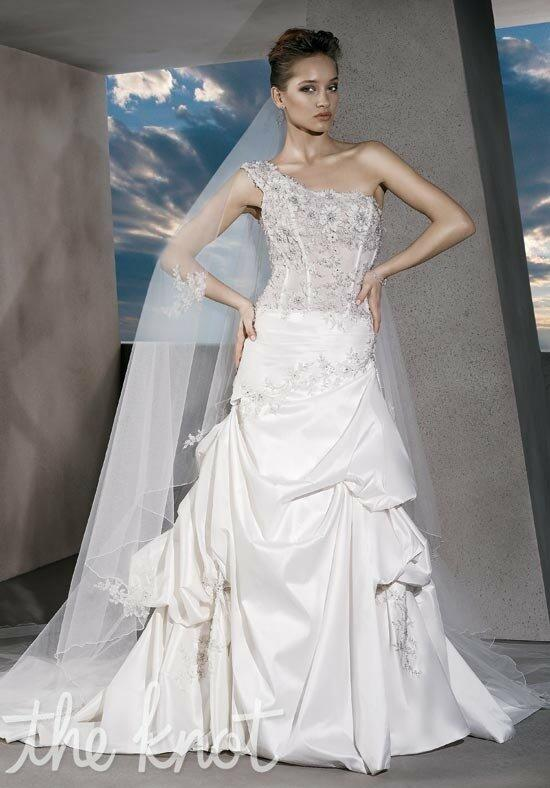 Demetrios GR225 Wedding Dress photo