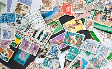 5 Ways To Customize Stamps For Your Wedding Invitations