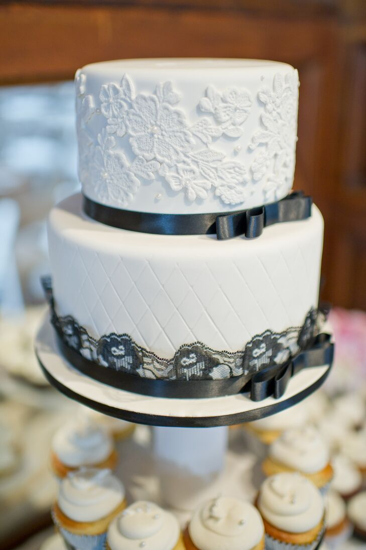 wedding cakes in lafayette la a classic wedding at lionsgate at the gatehouse in 24672
