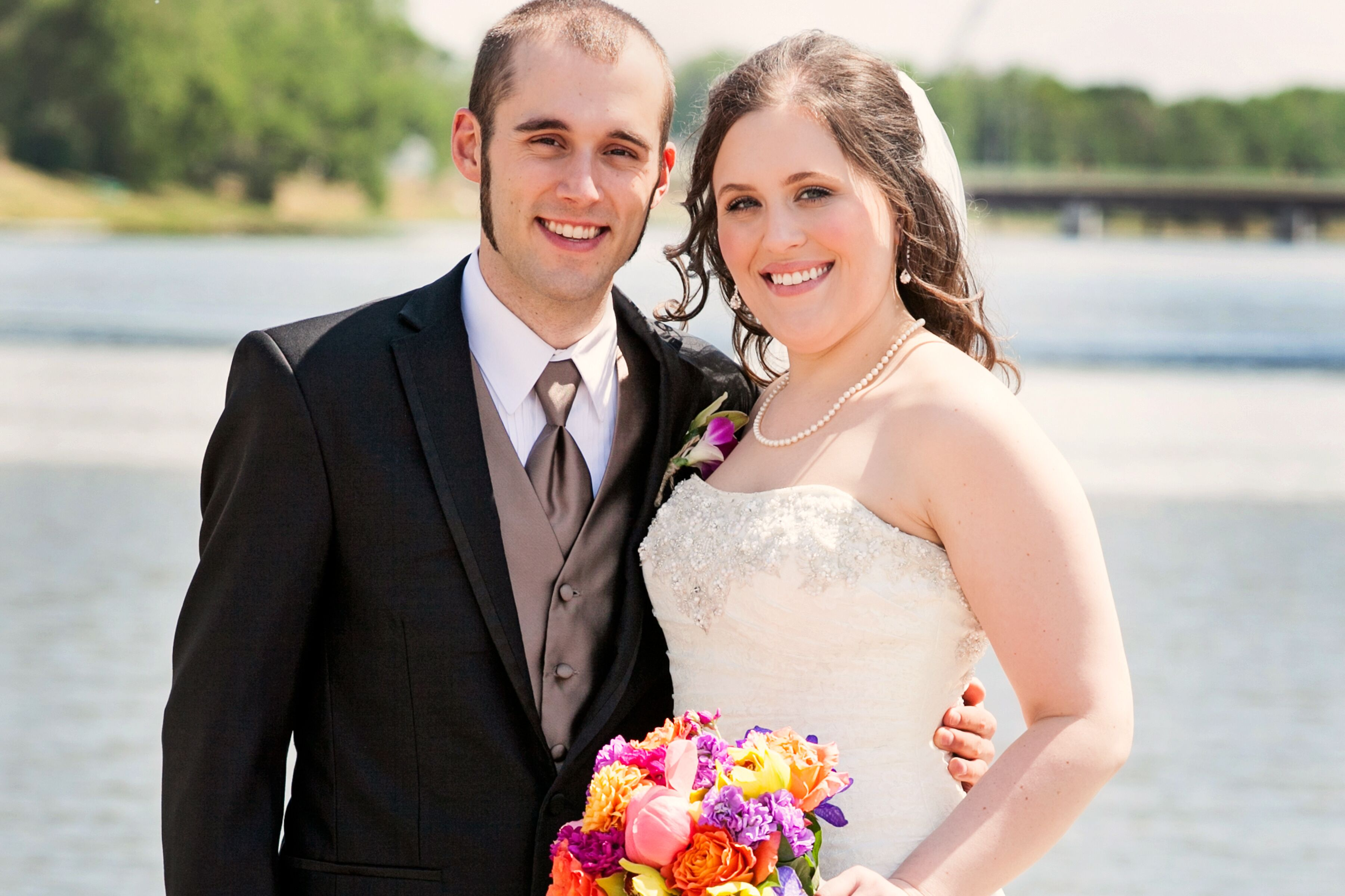 A bright nautical wedding at wichita boathouse in wichita for 3 elements salon wichita ks