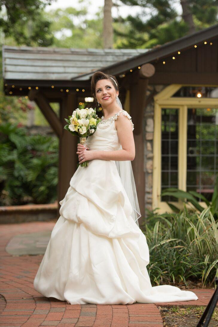 Monique Lhuillier Sample Sale Wedding Dress