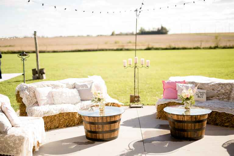 Outdoor barn wedding decor