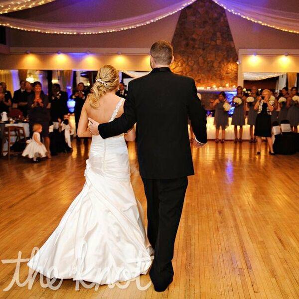 Wedding Altar Dance: Red Carnation Altar Decor