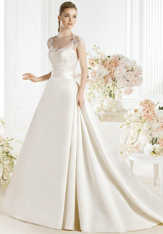 AVENUE DIAGONAL Payne Wedding Dress photo