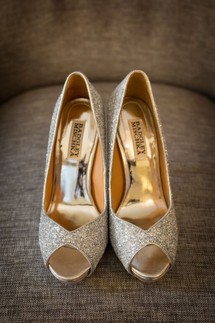 After the ceremony, Lu changed into Badgley Mischka glitter pumps that matched her hair clip and belt.