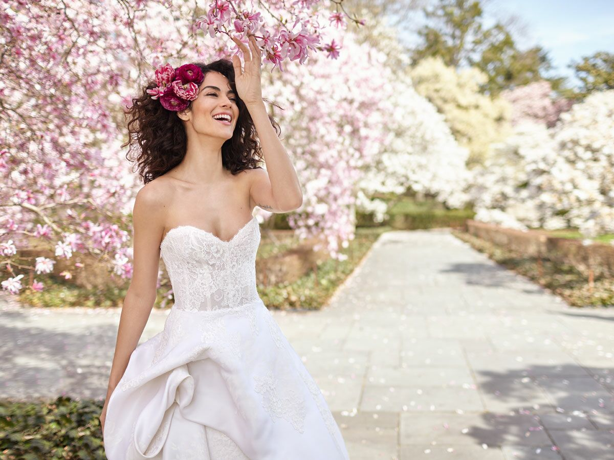 7 Fresh Wedding Dresses For The Classic Bride
