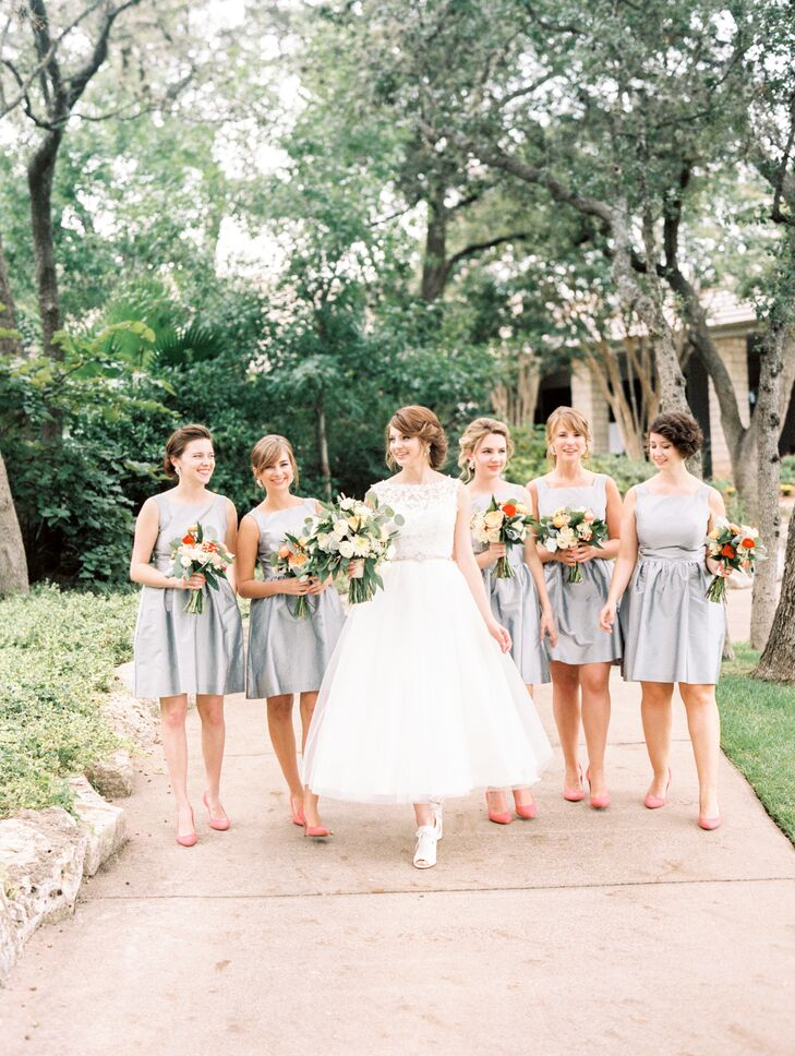 A new york inspired garden party wedding at the austin for Wedding dress rental manhattan