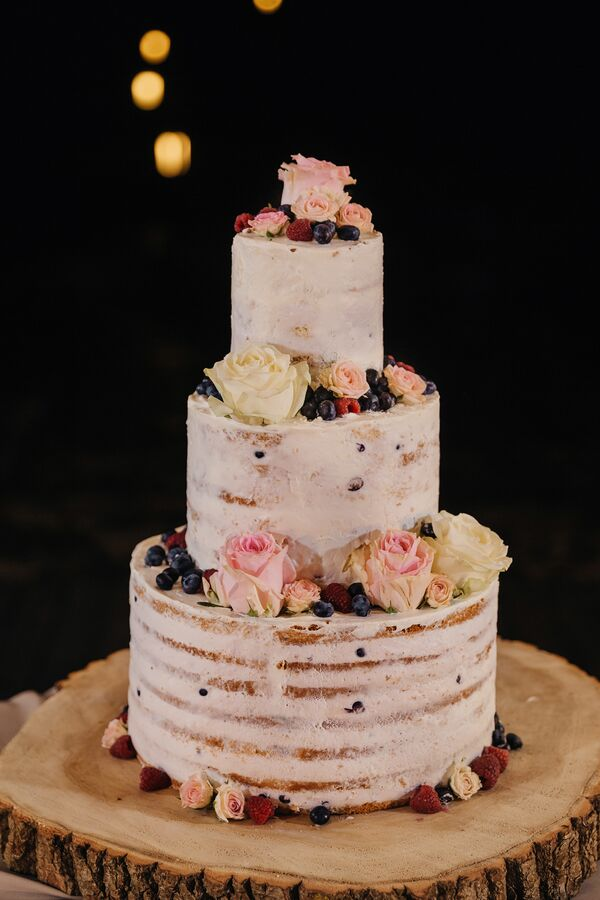 Berry and Blooms Cake