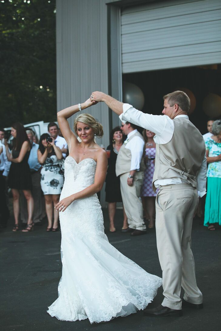 Ansley wore a trumpet style lace gown with crystal embellishments and a sweetheart neckline.