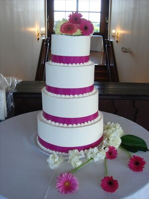 wedding cakes newport ri wedding cakes desserts in providence ri the knot 25085