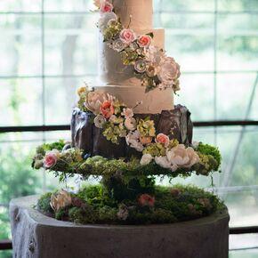Natural wedding cakes whimsical garden inspired wedding cake junglespirit Gallery