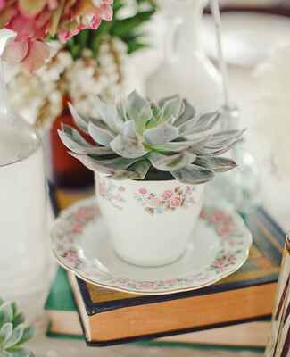teacup centerpiece | The Nichols Photography | blog.theknot.com