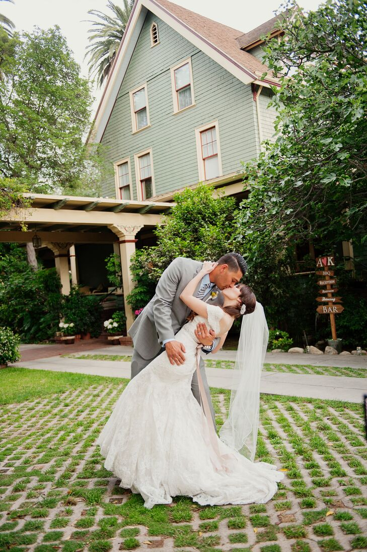 "The historic charm of Bissell House in South Pasadena, California, created the perfect backdrop for this vintage-style wedding. ""Bissell House is full"