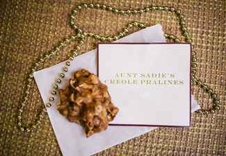Ways to honor deceased loved ones at your wedding: Heather Ann Design & Photograph / TheKnot.com