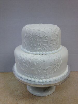 the knot wedding cakes michigan wedding cakes desserts in grand rapids mi the knot 20862
