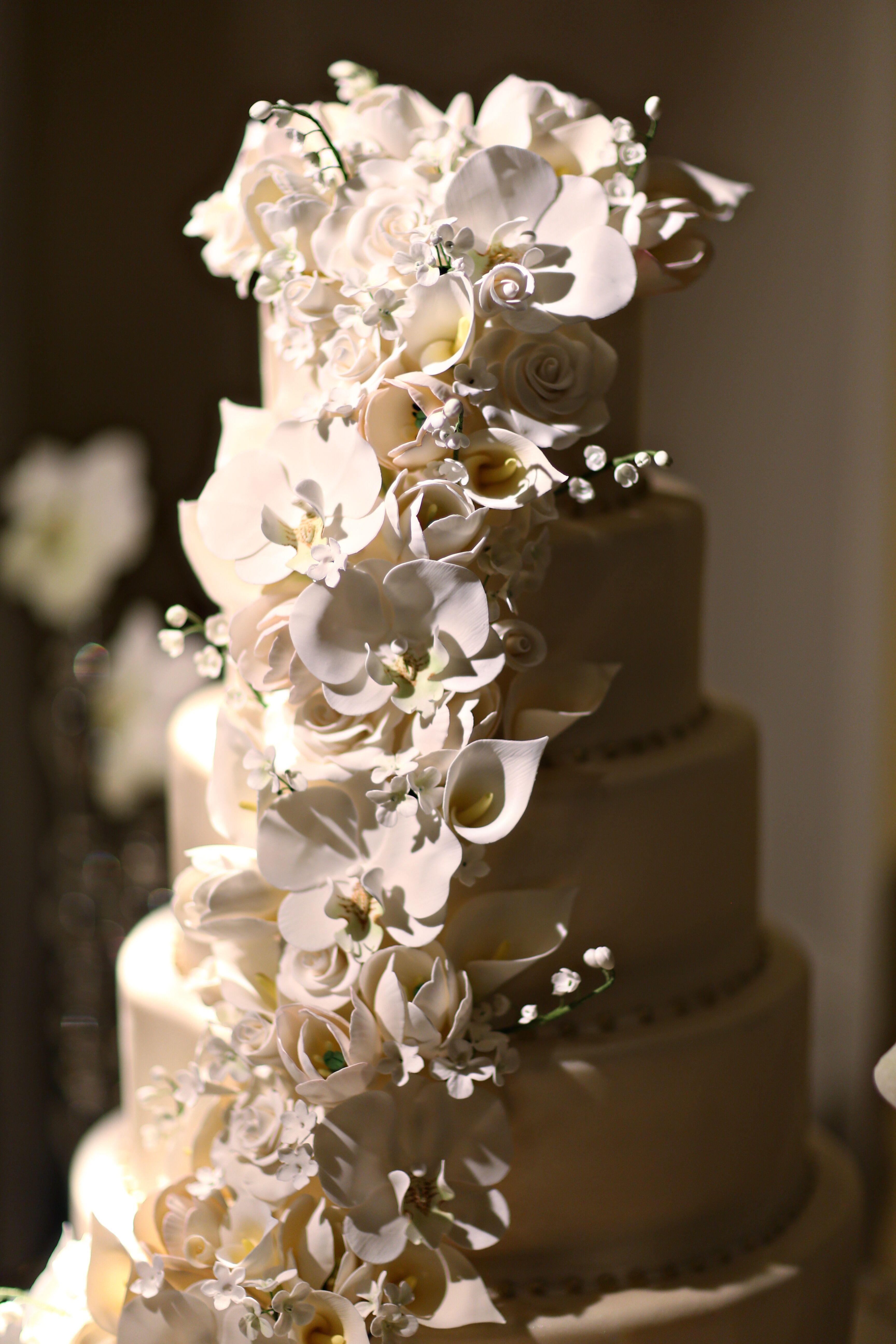 Cascading Cake Flowers on Wedding Cake