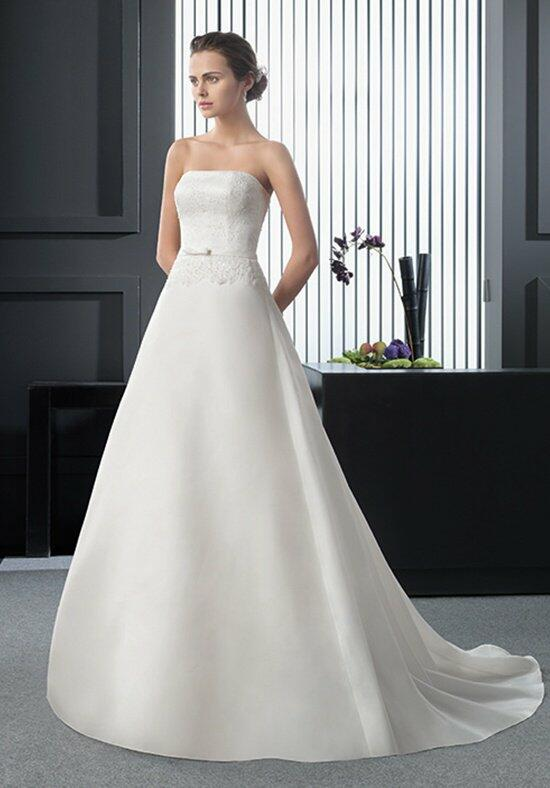 Two by Rosa Clará RELINDA Wedding Dress photo
