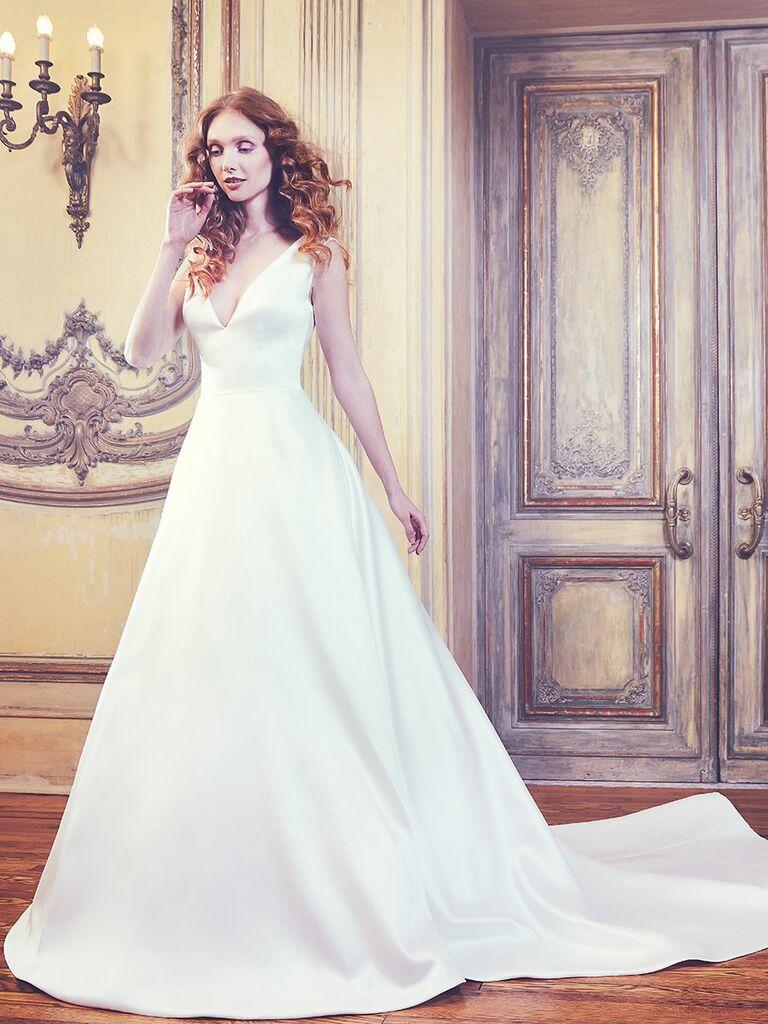 Sareh Nouri Spring 2018 White Sleeveless V Neck Ball Gown With Train