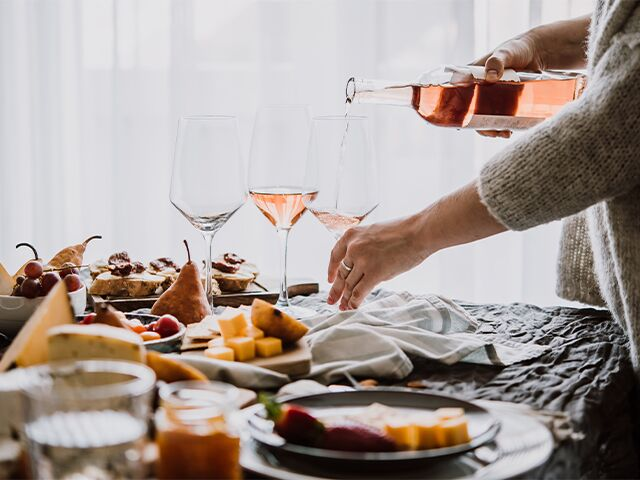 Everything You Need to Host the Most Awesome Housewarming Party