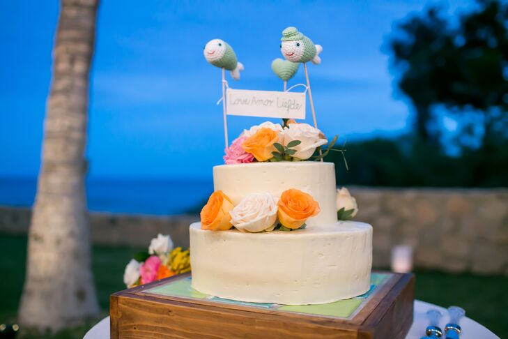 Simple Wedding Cake With Crocheted Cake Topper