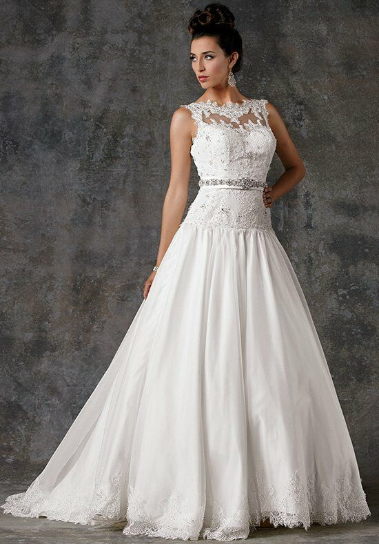 Aariana 9392 Wedding Dress photo