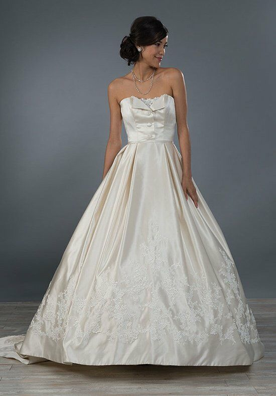 Alfred Angelo Signature 2472 Wedding Dress photo