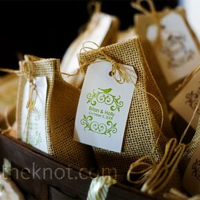 eco friendly wedding favors