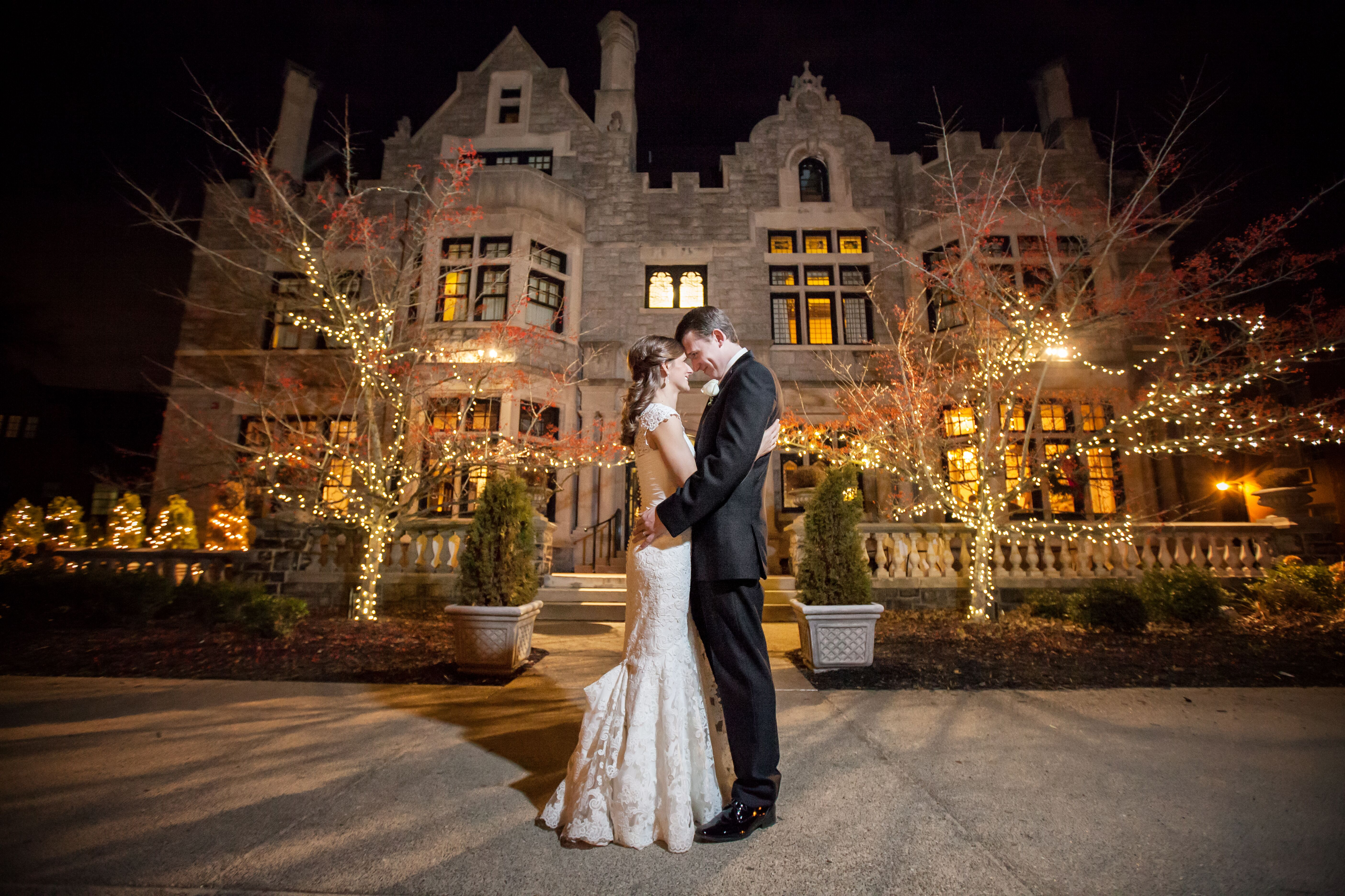 An Enchanting Winter Wedding at Mansions on Fifth Hotel in ...