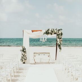 Beach wedding decorations accents chic beach ceremony junglespirit