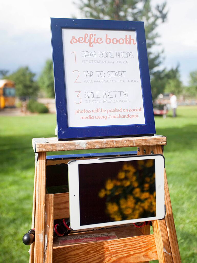 DIY Photo Booth Idea For An Outdoor Wedding Reception