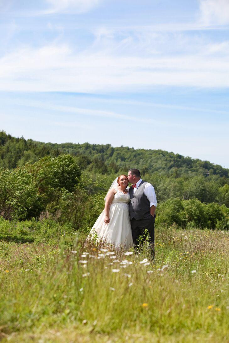 A Rustic Destination Wedding At Mount N Sea Inn In Camden Maine