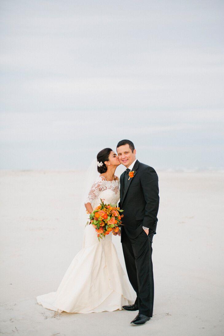 A Bright Coastal Wedding at Figure 8 Island Yacht Club in Wilmington ...
