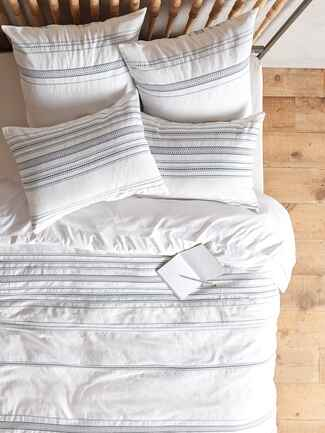 Coyuchi Geo Stripe Duvet wedding registry