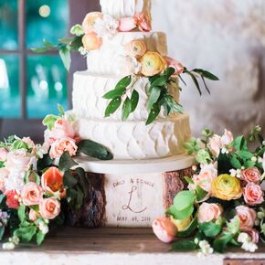 Scalloped Buttercream Cake With Peach Ranunculus