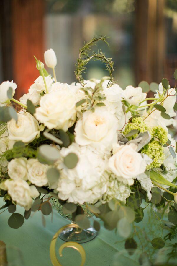 Naturalistic white flower arrangements with eucalyptus mightylinksfo