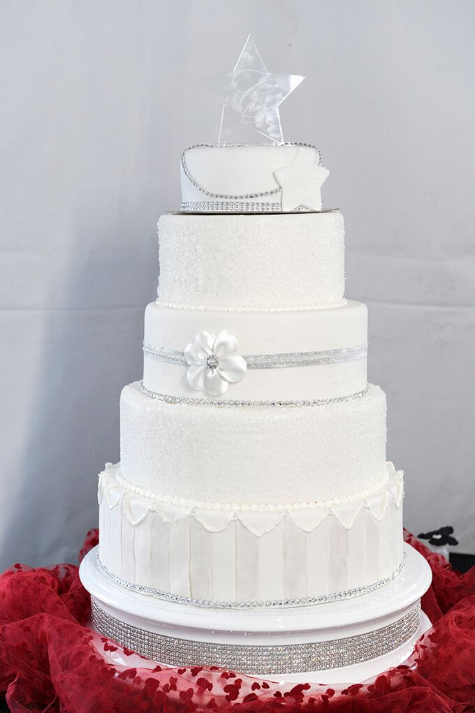 best wedding cakes victoria bc a glamorous wedding at billings estate in 11696