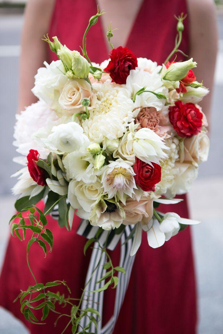 Red and white bridesmaid bouquets izmirmasajfo
