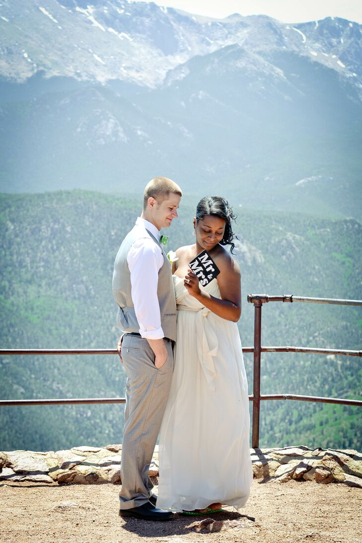 A Mountaintop Elopement at Crave Real Burgers in Colorado Springs ...