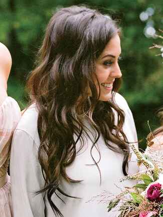 Boho bridesmaid hairstyle with glamorous waves