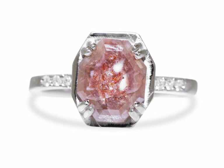 ChinChar Maloney Maroa ring in white gold with 1.52 carat pink and red diamond