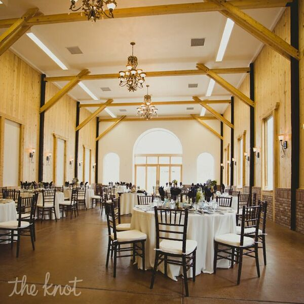 Barn Wedding Reception Decor: Rustic Wedding Cake Display