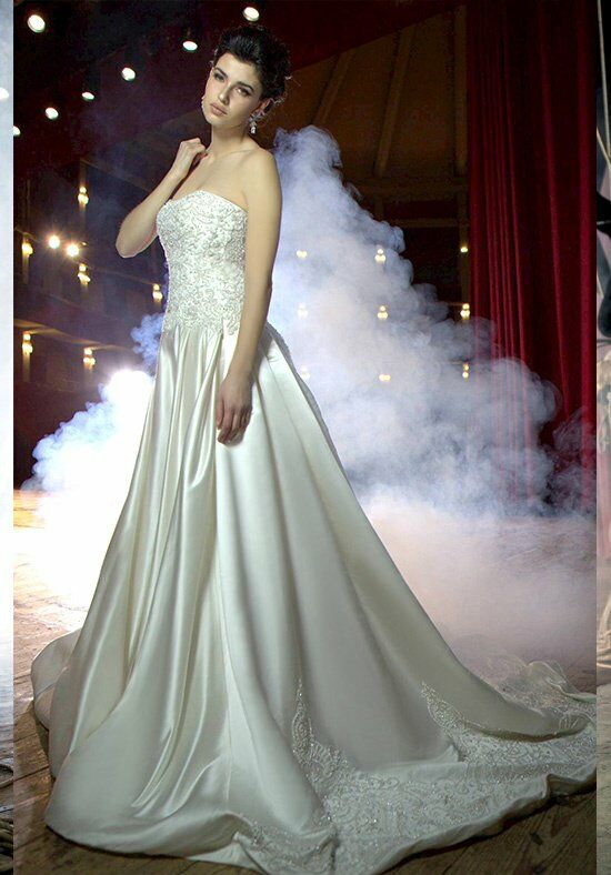 Stephen Yearick KSY52 Wedding Dress photo