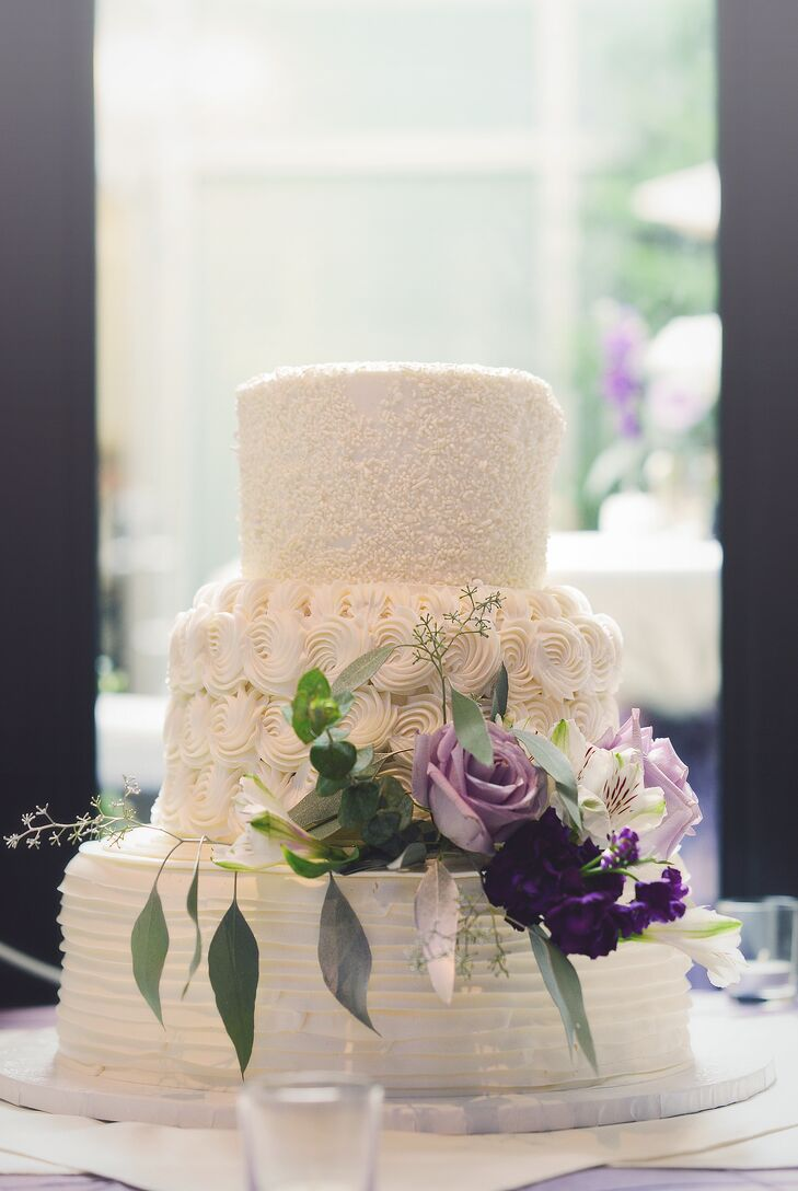 white wedding cake with purple flowers white wedding cake purple flowers 27416