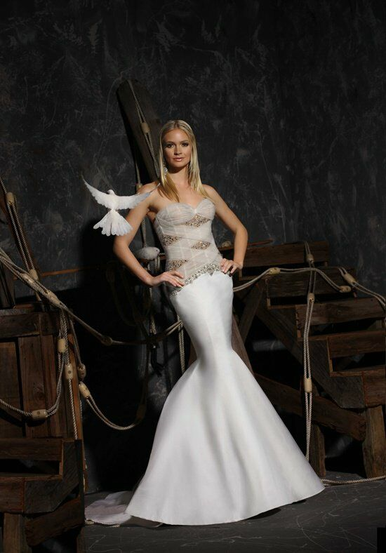 Victor Harper Couture VHC303 Wedding Dress photo