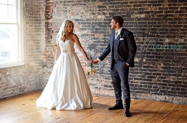 Bridal salons in toledo oh the knot for Wedding dresses toledo ohio